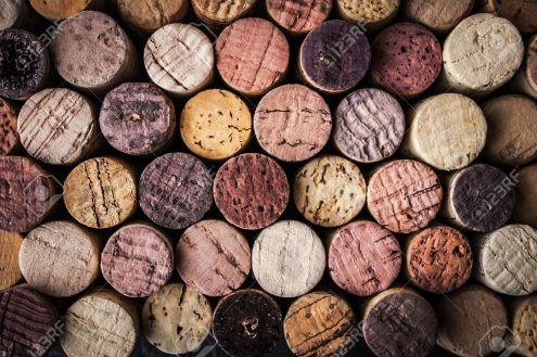 47706558-Wine-corks-background-close-up-Banque-d'images